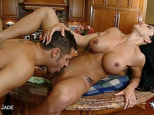Busty Jewels Jade gets her butt fucked