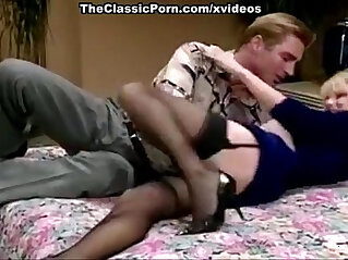 Melanie Moore, Woody Long in hot babe displays golden age of porn was like