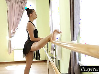 Sexy cute japanese girl Regina does gymnastic acting