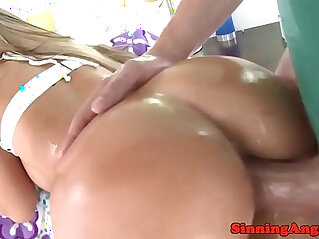 Bigbooty pornstar gags on cock