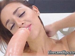 OMG Gorgeous amateur Teen Must Watch!