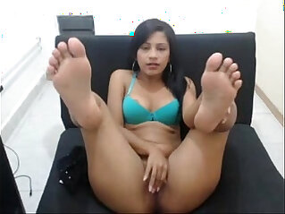 Cutest latina with the sexiest feet
