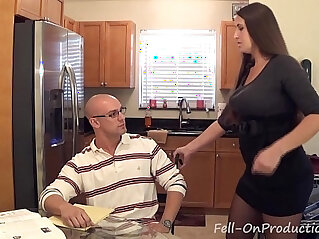 Madisin lee in milf mom helps son with his term paper blue balls