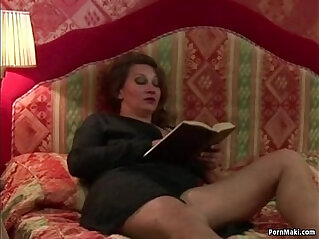 Anal strapon fuck session with hairy granny