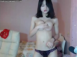 Gorgeous webcam girl fucking with perfect tits dancing